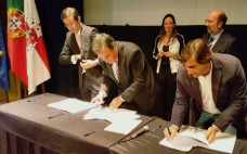 Assinatura de Contrato de Financiamento de Aquisição de Viaturas Elétricas