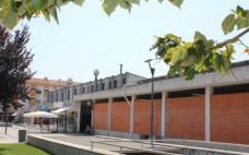 Mercado Diário Municipal aberto no dia 12 de maio