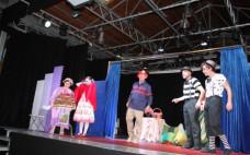 """Teatro Infantil """"O Capuchinho Vermelho"""" enche Centro Cultural"""
