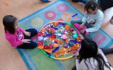 Biblioteca Municipal recebe mais uma sessão de Yoga para Crianças