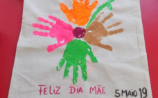 Oficina Infantil dedicada ao Dia da Mãe