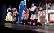 """Centro Cultural recebeu o Teatro Infantil """"Branca de Neve e os Sete Anões"""""""