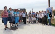 Utentes do Centro de Convívio do Entroncamento fazem visita à praia de Paredes de Vitória
