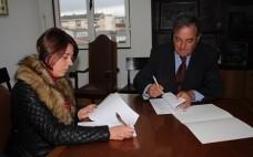 Assinatura de Protocolo de Colaboração entre o Município do Entroncamento e a Associação Abraços de 4 Patas